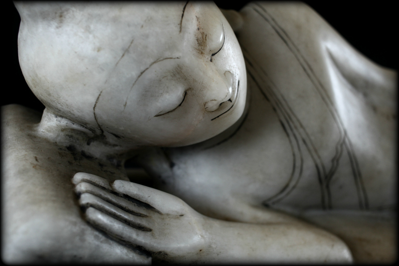 Extremely Rare Early 19C Reclining Mandalay Buddha #DW084