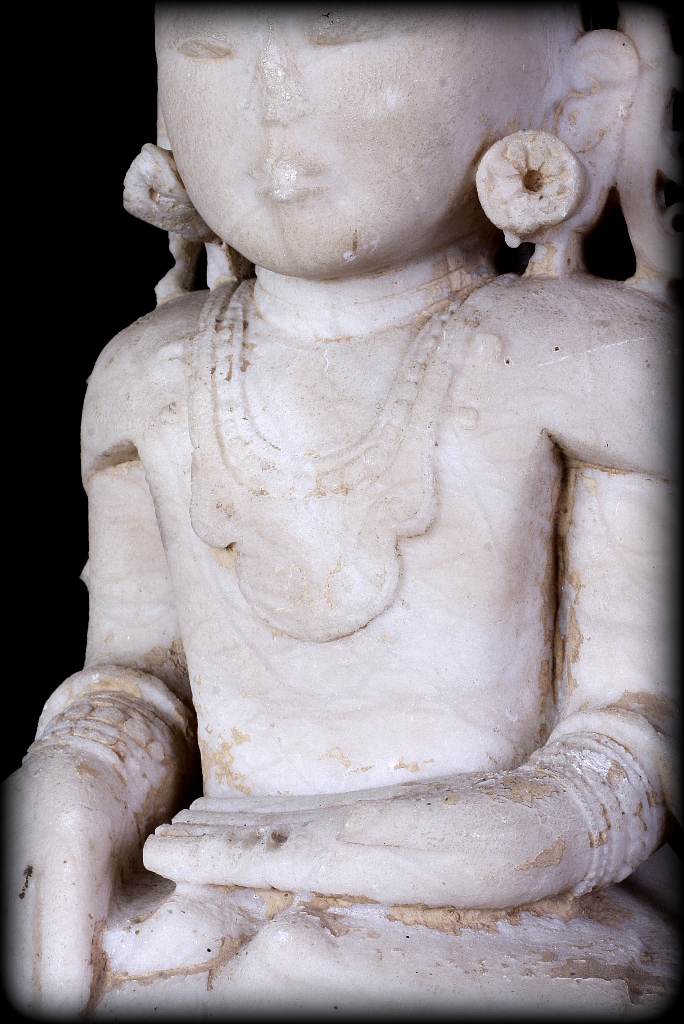 Extremely Rare 17C Alabaster Sitting Crowned Ava Buddha #DW016