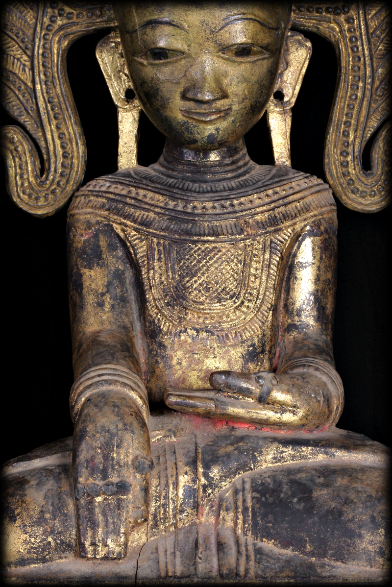 Extremely Rare 18C Wood Crown Shan Burma Buddha #A040