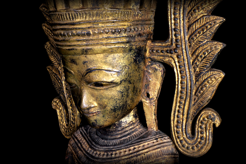 Extremely Rare 18C Wood Crown Shan Burma Buddha #A138